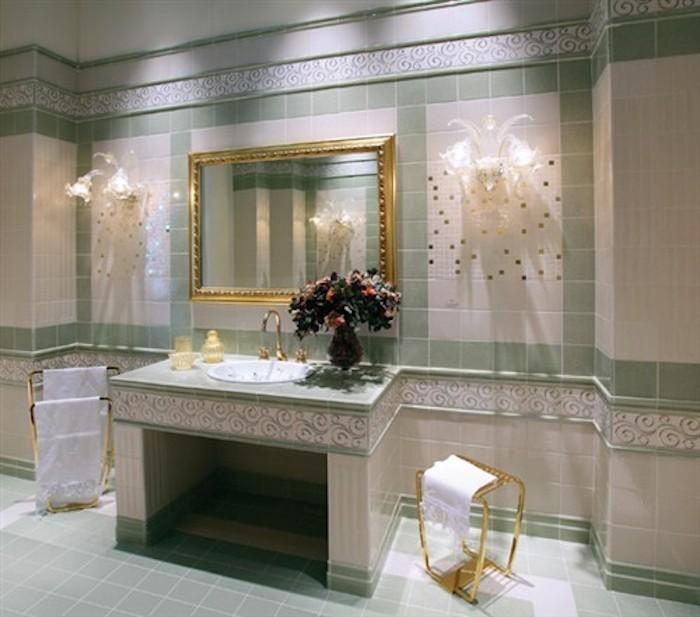 Piastrelle da bagno classiche design casa creativa e - Mobili per bagni classici ...